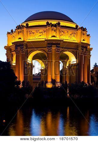 Постер, плакат: Дворец изящных искусств в ночное время в Сан Франциско, холст на подрамнике