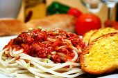 plate of spaghetti with tomato sauce