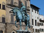 Florença - a estátua equestre de Cosme I de Médici
