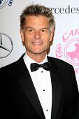 LOS ANGELES - OCT 20:  Harry Hamlin arrives at  the 26th Carousel Of Hope Ball at Beverly Hilton Hot