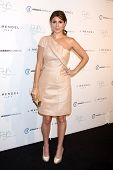 LOS ANGELES - OCT 17:  Jamie-Lynn Sigler arrives at  3rd Annual Autumn Party with designer J Mendel