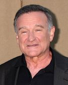 LOS ANGELES - 29 de JUL: Robin WIlliams chega na festa de verão 2013 CBS TCA no locati privada