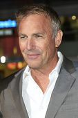 LOS ANGELES - JAN 15: Kevin Costner at the premiere of Paramount Pictures' 'Jack Ryan: Shadow Recrui