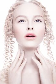 picture of wraith  - Portrait of mysterious albino woman - JPG