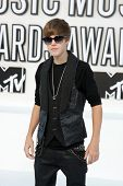 LOS ANGELES - SEP 12:  Justin Bieber arrives at the 2010 MTV Video Music Awards  at Nokia - LA Live