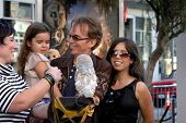LOS ANGELES - SEP 19: Billy Bob Thornton, Bella y Connie Angland llegan a la leyenda de los Gua