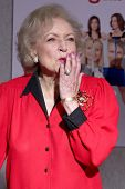 LOS ANGELES - SEP 22:  Betty White arrives at the