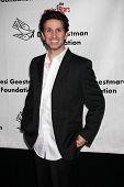 LOS ANGELES - 9 de outubro: Ronnie Marmo chega em benefício para o Desi