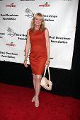 LOS ANGELES - 9 de outubro: Laurette Spang McCook chega ao benefício para
