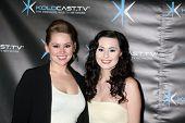 LOS ANGELES - DEC 14:  Jane Carrey, Jillian Clare attend the