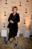 LOS ANGELES - JAN 20:  Cloris Leachman arrives at the ATASHall of Fame Committe's 20th Annual Induct