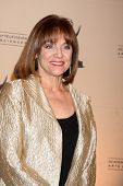 LOS ANGELES - JAN 20:  Valerie Harper arrives at the ATASHall of Fame Committe's 20th Annual Inducti