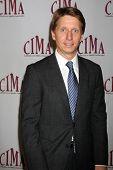 LOS ANGELES - 20 de FEB: Bradley Bell llega a los católicos de 2011 en los medios de comunicación asociados Premio Brunch