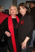 LOS ANGELES - FEB 18:  Tippi Hedren, Kate Linder at the VDay - Vagaina Monologues Performance at Bar