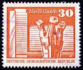 Briefmarke DDR 1973 Worker Denkmal, halle