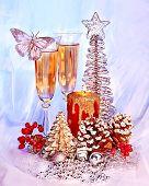 Постер, плакат: Рождественские Натюрморт с шампанским и свечи Праздничное оформление