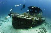 pic of shipwreck  - A small shipwreck in Freeport - JPG