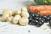 picture of olive shaped  - Mushrooms - JPG