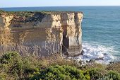 picture of razorback  - Rock called The Razorback at Port Campbell National Park - JPG