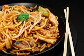 Huhn Chow mein