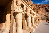 foto of hatshepsut  - Statues of the god Osiris at Hapshetpsut - JPG