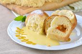 Stuffed yeast pastry dumplings