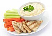 Homus com pão Pita e legumes