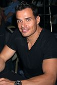 LOS ANGELES - JUL 16:  Antonio Sabato Jr. at the Hollywood Show at Burbank Marriott Convention Cente