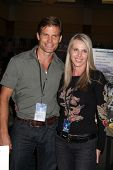 LOS ANGELES - JUL 16:  Casper Van Dien, Catherine Oxenberg at the Hollywood Show at Burbank Marriott Convention Center on July 16, 2011 in Burbank, CA