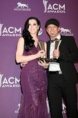 Las Vegas Apr 1: Thompson square Shawna und Kiefer Thompson in der Presse bei der Acade 2012