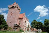 King's Castle Nearby Marketsquare In Poznan
