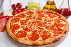 foto of crust  - Pizza on wood - JPG