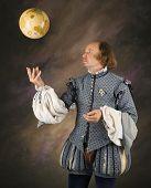 William Shakespeare im Zeitraum Kleidung wirft Globus in Luft.