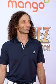 LOS ANGELES - MAY 7:  Kenny G arrives at the 5th Annual George Lopez Celebrity Golf Classic at Lakes