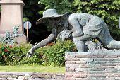 Rice Weeder Statue