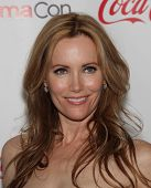 LAS VEGAS - APR 26:  LESLIE MANN arrives afor the Cinema Con 2012-Final Night Awards  on April 26, 2