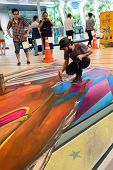 Bangkok - March 3 : An Artist (tony Cuboliquido) During Drawing And Painting His 3D Artwork In Livin