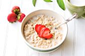 Oatmeal And Strawberries
