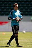 CARSON, CA - APRIL 6: Chivas USA GK Dan Kennedy (1) during the MLS game between the Los Angeles Gala