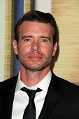 LOS ANGELES - FEB 14:  Scott Foley at the 2015 Writers Guild Awards at a Century Plaza Hotel on February 14, 2015 in Century City, CA