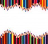 Постер, плакат: Ассортимент цветные карандаши с тенью на белом фоне
