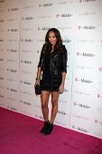 LOS ANGELES - 16 de NOV: Ashley Madekwe llega en el lanzamiento de música de Google en Mr. Brainwash Studio