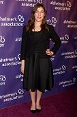 LOS ANGELES - MAR 20: Mayim Bialik arrives at the 21st Annual A Night at Sardi's to Benefit the Alzh