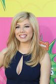 LOS ANGELES - MAR 23:  Jennette McCurdy arrives at Nickelodeon's 26th Annual Kids' Choice Awards at