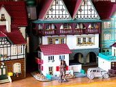 Miniature toy (House).