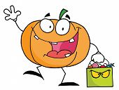Cartoon pumkin with bag