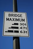bridge maximum load sign