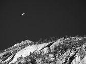 Постер, плакат: Луна над Yosemite скалы