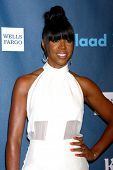 LOS ANGELES - APR 20:  Kelly Rowland arrives at the 2013 GLAAD Media Awards at the JW Marriott on Ap