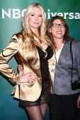 LOS ANGELES - APR 22: Jackie Siegel, Lauren Greenfield an NBCUniversal Sommer Pres Tages 2013 bei